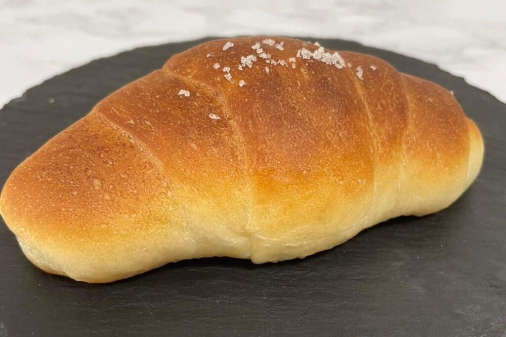 エイミー食パンと同じ生地を使用した塩パン